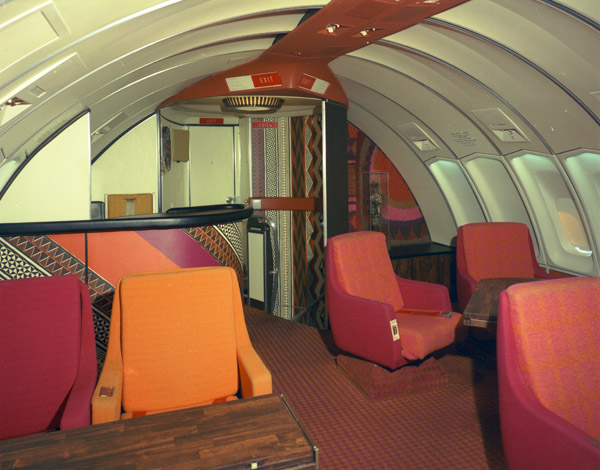 Boeing 747 Interior Continental_Airlines_upstairs_lounge