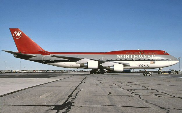 Northwest Airlines_Boeing_747-400