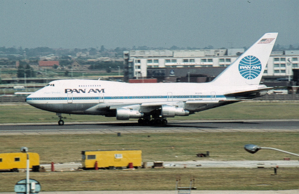 Pan_Am_Boeing_747SP