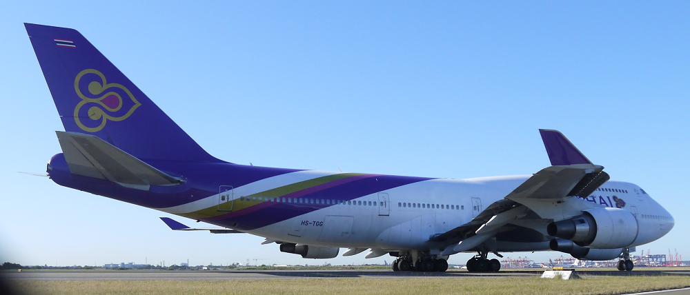 Thai International Boeing 747-400 taxi for 34L at Sydney_4