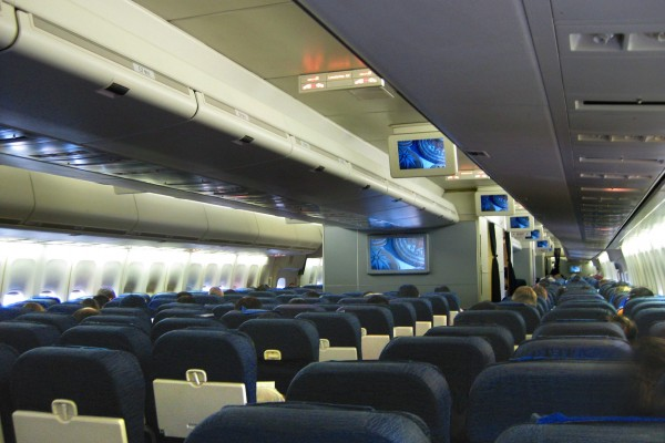 Boeing 747 Interior - Modern Airliners