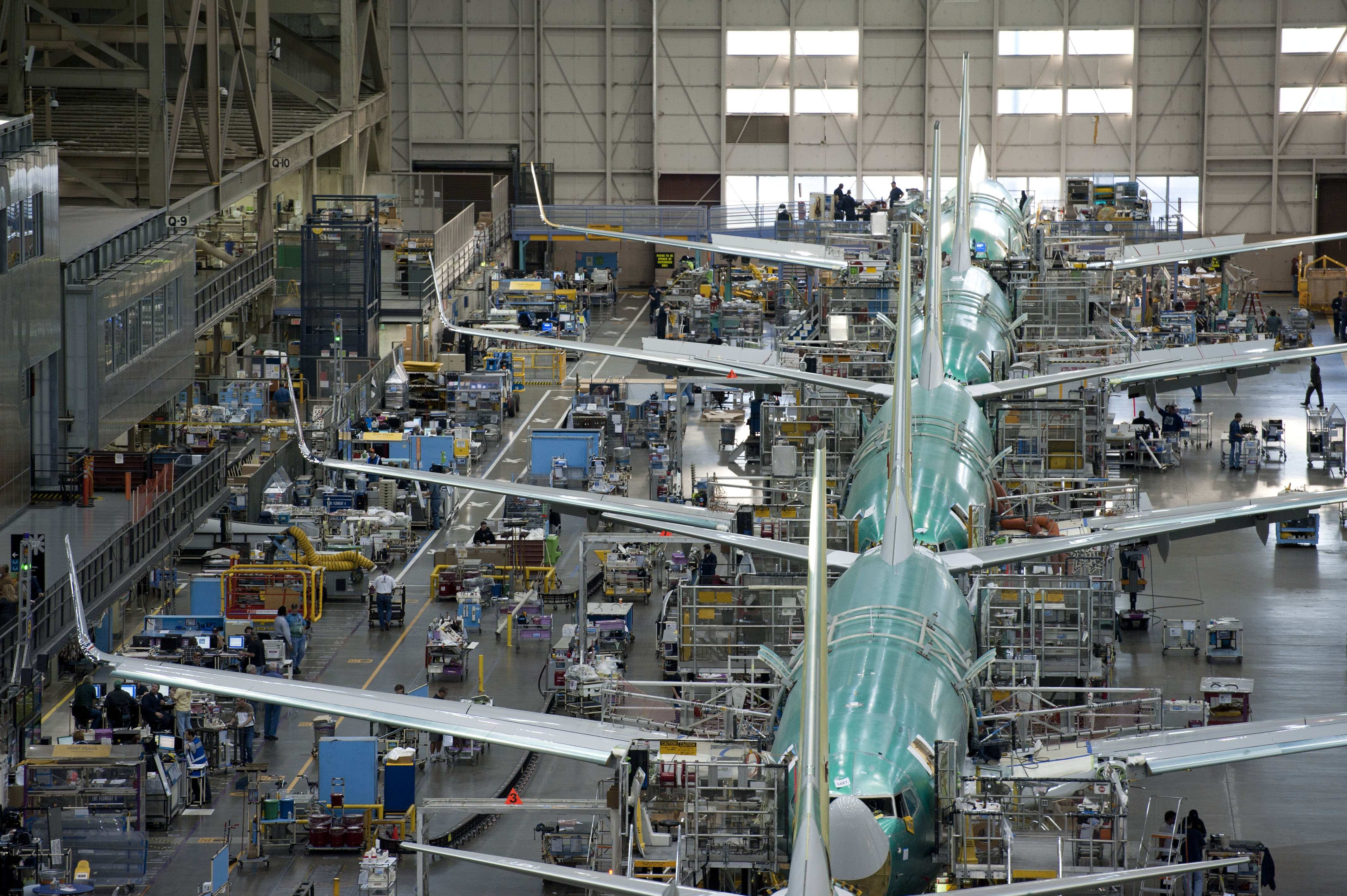 Boeing 737 assembly modern airliners for Production builder