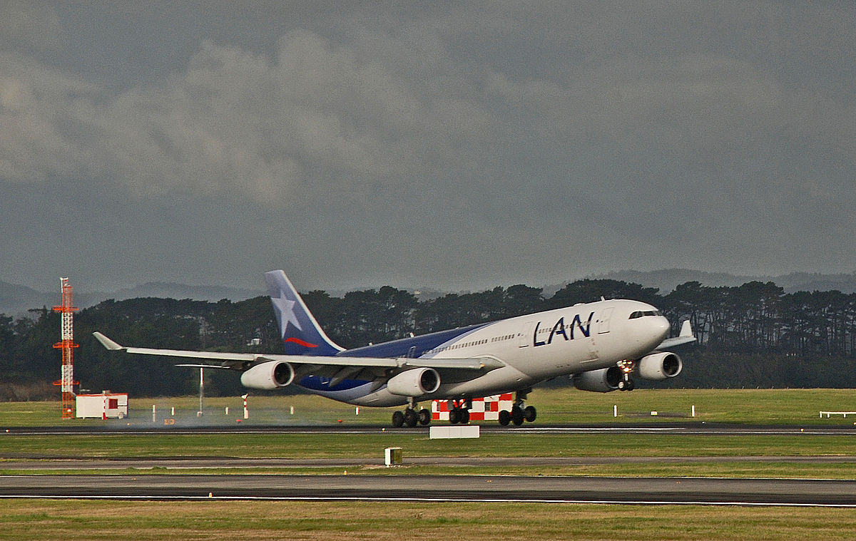 A LAN A340 300 lands at Auckland Mangere Airport.