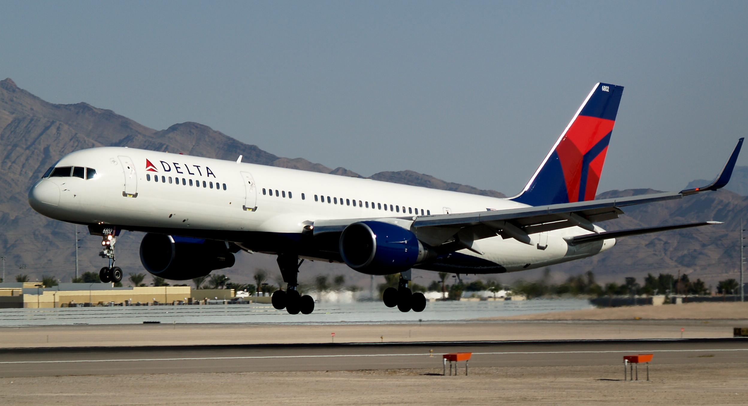 Delta Air Lines New Livery Boeing 757-232 with Winglets N703TW