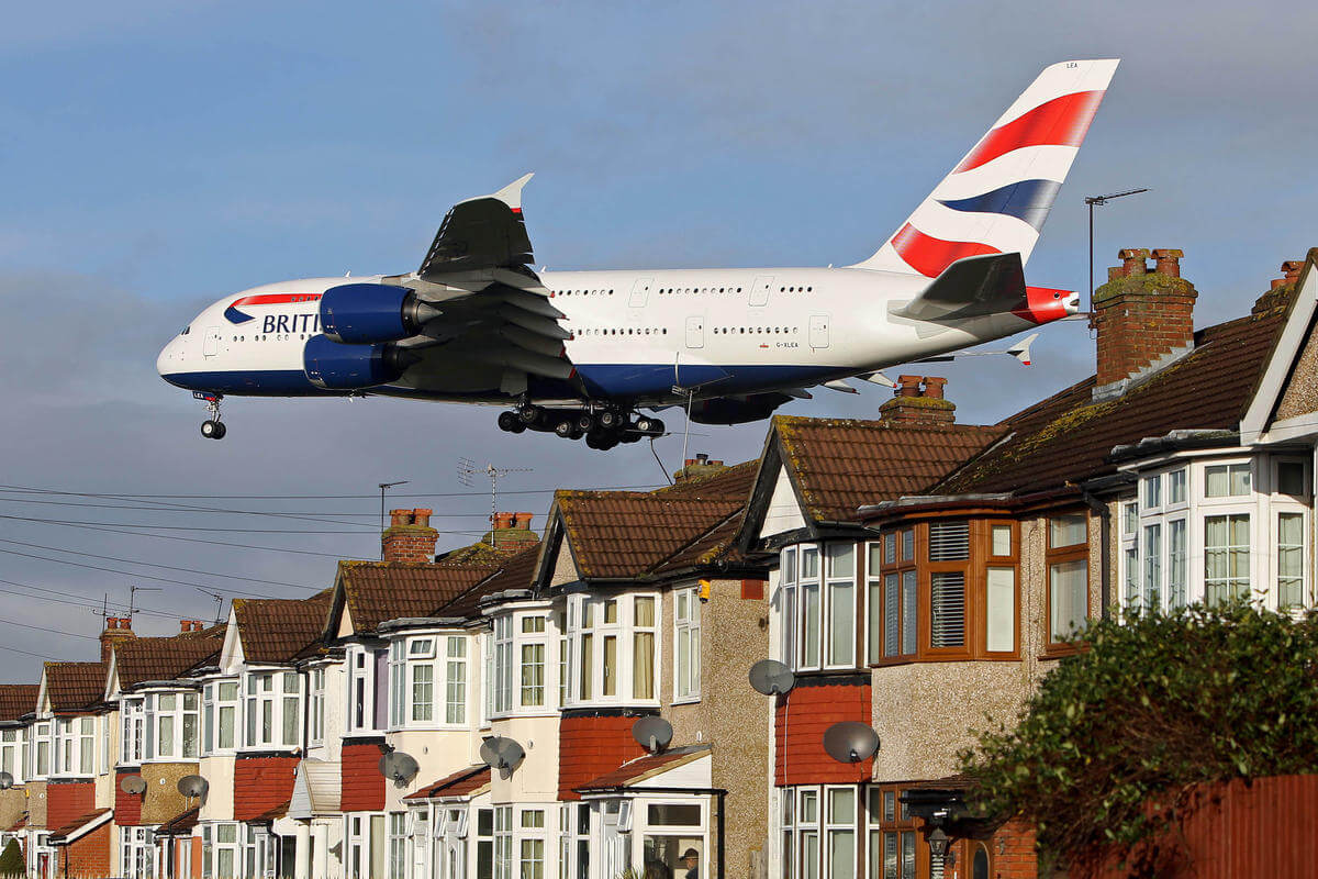 A380 on approach to Heathrow Airport