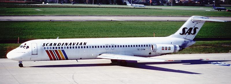Scandinavian Airlines System (SAS) DC-9-41