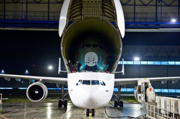 Airbus A350 assembly 8