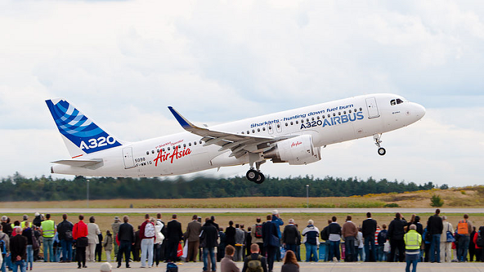 Airbus_A320_sharklet_692x389