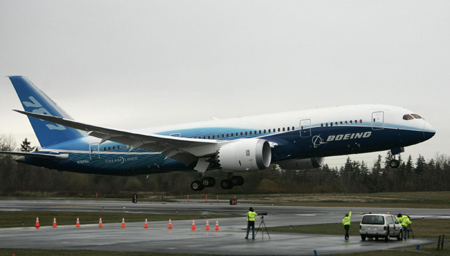 Boeing_787_9_Landing_Test_flight1_17Sep13