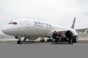 United Airlines receive Boeing 787