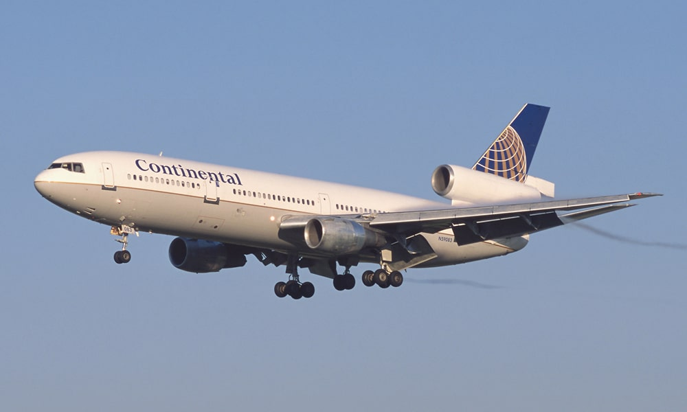 Continental_Airlines_DC-10-30