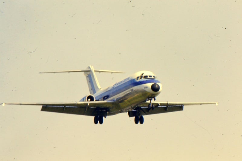 Eastern Airlines DC-9-10 N8909E on appraoch to Washington DCA.