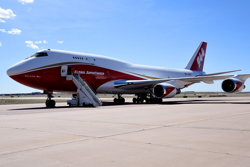 Global Supertanker Boeing 747-400